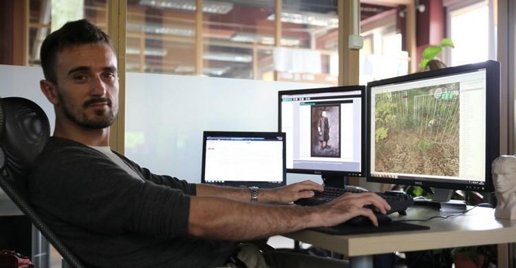 Директор The Witcher 3 и директор по дизайну Cyberpunk 2077 Конрад Томашкевич ушел из CD Projekt Red 1